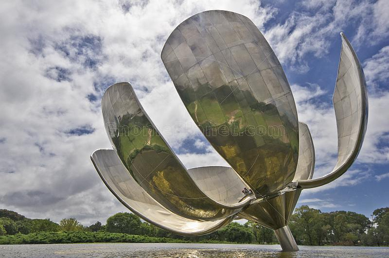 Floralis Generica is a flower sculpture by Argentine architect Eduardo Catalano.