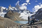 Trekkers view the Fitzroy Mountains in the Parque Nacional Los Glaciares.